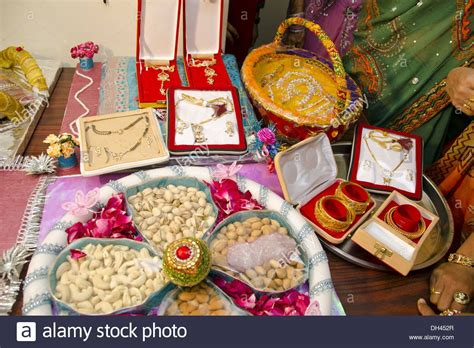 Dowry Gifts Jewellery Dry Fruits Decorative Packing For