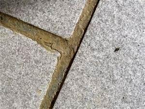 Fjerne gammel fugemasse fliser