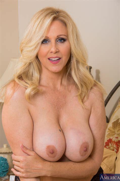 Hot Woman Looks Better When Naked Photos Julia Ann Jessy