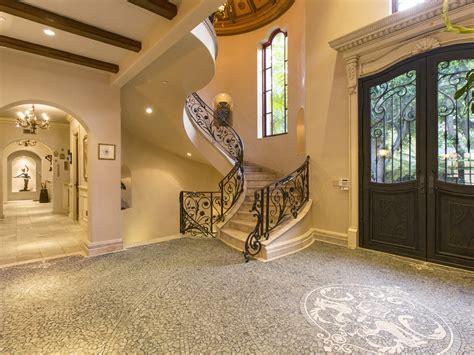 extravagant italian villa  beverly hills california