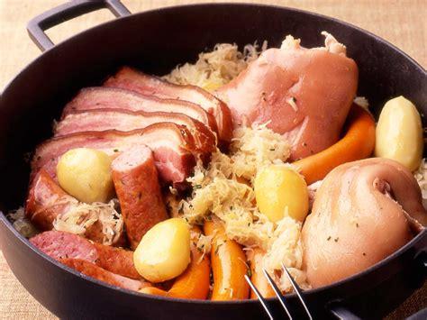 cuisine alsacienne traditionnelle choucroute garnie de ma maman facile et pas cher