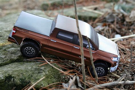 paper model completed  toyota tundra pickup