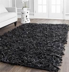 tapis shaggy dans le salon un accessoire moderne et elegant With tapis shaggy avec canapé cuir vieilli marron