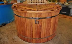 Pool Wanne Kunststoff : badefass mit sprudel aus kunststoff holz bauen timberin badefass badetonne wanne ~ Watch28wear.com Haus und Dekorationen