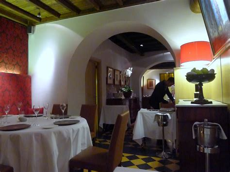 il cuisine a has to eat and travel restaurant and travel