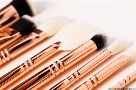 Achat Pinceau de maquillage Poils de sanglier hommes poils barbe moustache brosse peigne manche en bois ovale dur HHY80108010_ion à prix discount