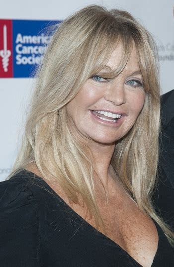 hairstyles goldie hawn long layered hairstyle  bangs