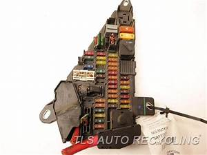 2004 Bmw 530i - Distribution Fuse Box 6906558 - Used