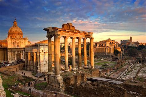 foto de Roman Forum The Debris Collection of Ancient Buildings in