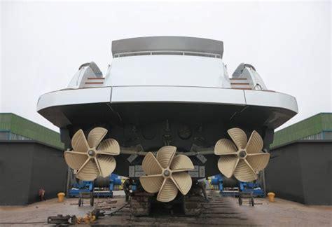 surface drives  pershing yachts ita yachts canada