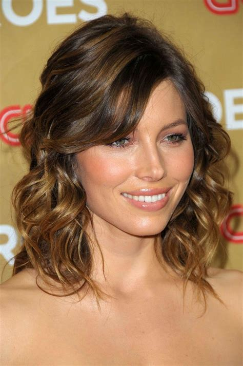 the best medium length hairstyles for curly hair