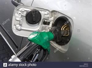 Essence Sans Plomb : cape town remplissage avec de l 39 essence sans plomb banque d 39 images photo stock 41447841 alamy ~ Medecine-chirurgie-esthetiques.com Avis de Voitures