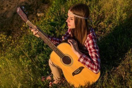 Musik ini memiliki gaya rithym and blues. 10 Deretan Lagu Pop Barat Terbaru Paling Populer - mastimon.com