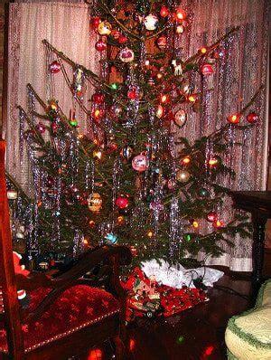 fashioned christmas tree  style oldhouseguy blog