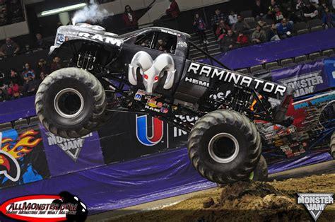 monster truck show hton va hton virginia monster jam february 15 2014 7