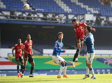 Stay up to date with all the action with our live blog. Everton vs Manchester United player ratings: Bruno ...