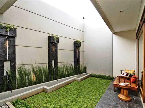 inspirasi desain taman belakang rumah minimalis modern