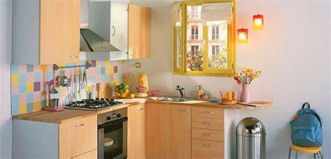 escoger los colores en cocinas pequenas