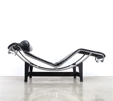 le corbusier chaise lc4 chaise longue lounge chair by le corbusier