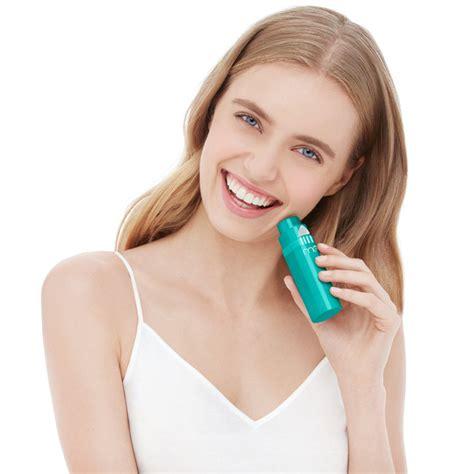 Ánh sáng xanh - phương pháp làm sạch da mới nhất - ELLE