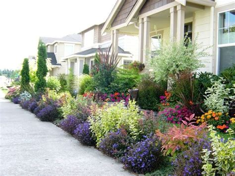 small shrubs for front yard front yard landscape design impatiens pansies lobelia for the annuals base around shrubs