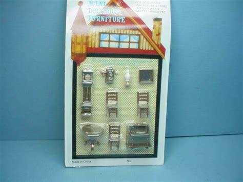 dollhouse miniature living room set scale