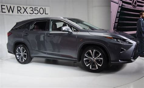 row lexus rx  debuts  seating   autoguide