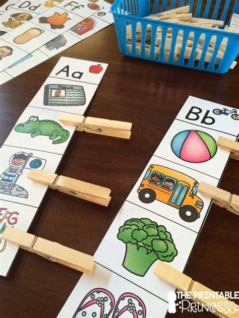 best 25 kindergarten literacy activities ideas on 784 | 46198d529ace9e505d6abbd791d13eef kindergarten phonics kindergarten centers
