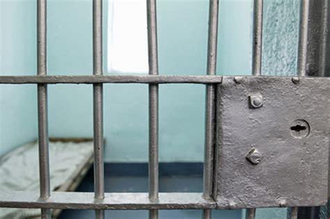 murder witness threatened  jail fbi
