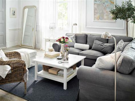 Graues Sofa Kombinieren by 1001 Sofa Grau Beispiele Warum Sie Ein Sofa Genau
