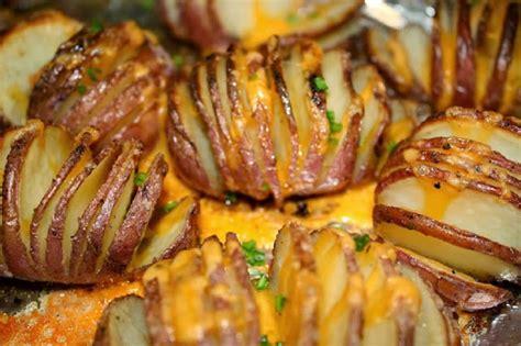 cuisiner des pommes de terre 4 façons de cuisiner les pommes de terre au four