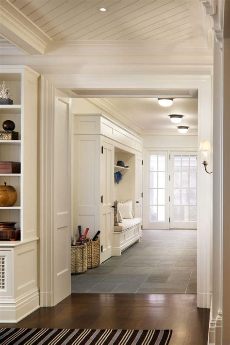 kitchen entryway ideas 17 best images about mudroom entryway on entry