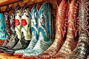 A Cowboy Boots Kinda Gal – Flingo