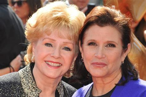 debbie reynolds buried carrie fisher and debbie reynolds to be buried together
