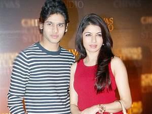 Bhagyashree Son Abhimanyu Dassani dating B'Town actor ...