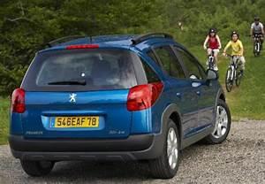 Fiche Technique Peugeot 2008 Essence : fiche technique peugeot 207 1 4 vti 16v 95ch premium outdoor 2007 ~ Medecine-chirurgie-esthetiques.com Avis de Voitures
