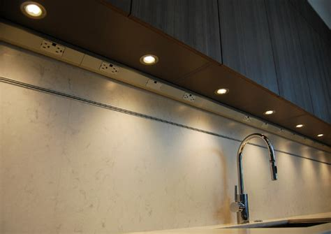 Great Use Of Undercabinet Outlets And Lighting