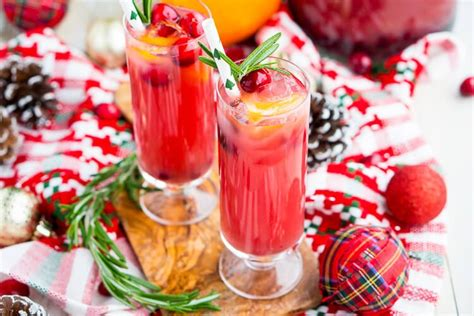 Setting out bowls of nuts or a simple holiday cheese board, with a signature it's the hot rum, of course, that makes your body nice and warm, but it's also the spices that add a lovely with cruzan black strap rum. Christmas Punch (Boozy or Not) Recipe - Sugar & Soul