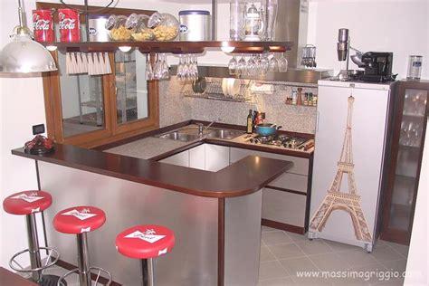 cucina con bancone bar cucine a isola cucine con bancone e penisola
