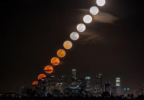 Moonrise Time-lapse Over La «twistedsifter