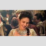 Outlander Starz Jamie   1120 x 630 jpeg 209kB