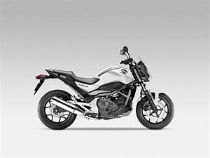Honda Nc 700 : 2012 honda nc700s the return of the standard asphalt ~ Melissatoandfro.com Idées de Décoration