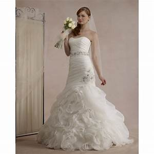 strapless sweetheart neckline floor length organza veil With strapless sweetheart neckline wedding dress