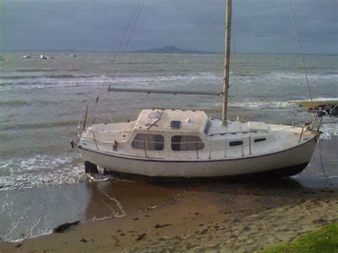 Mooring Boat Overnight by Mooring Accident Sailing Blog By Nauticed