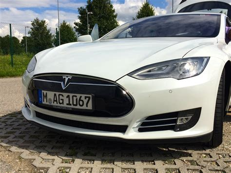 31+ Are Tesla Cars All Wheel Drive Pictures