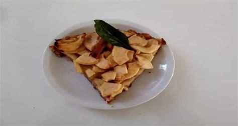 tarte aux pommes sur un lit de boudoirs la tarte aux pommes sans p 226 te