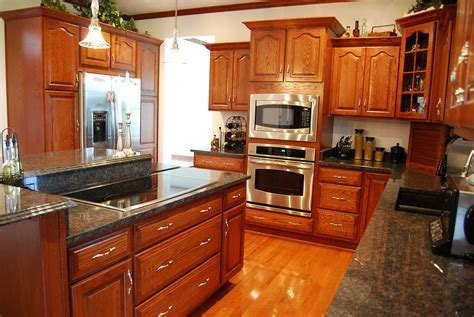 Dining & Kitchen: High Quality Quaker Maid Cabinets Design