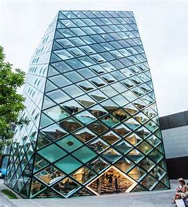 The Most Innovative Glass Buildings | Glass building ...