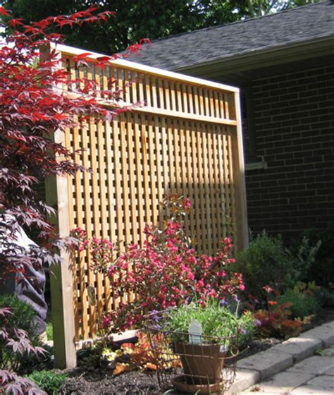 patio privacy screen using recycled cedar posts