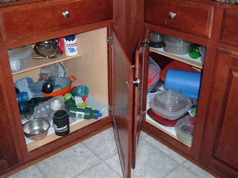 rubbermaid kitchen cabinet organizers great rubbermaid kitchen cabinet organizers greenvirals 4942
